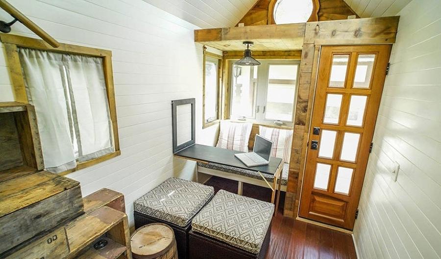 Tiny house storia di due giovani e della loro casa a quattro ruote idee interior designer - Tiny house interni ...