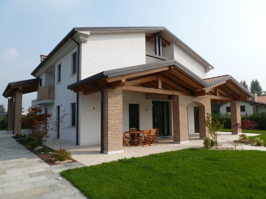Casa unifamiliare ristrutturata da architetto Squizzato