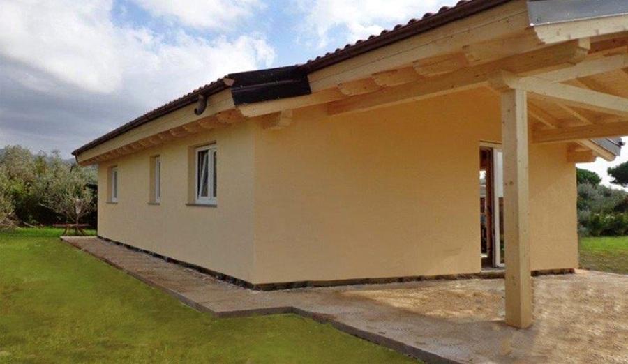 Casa vista lateralmente