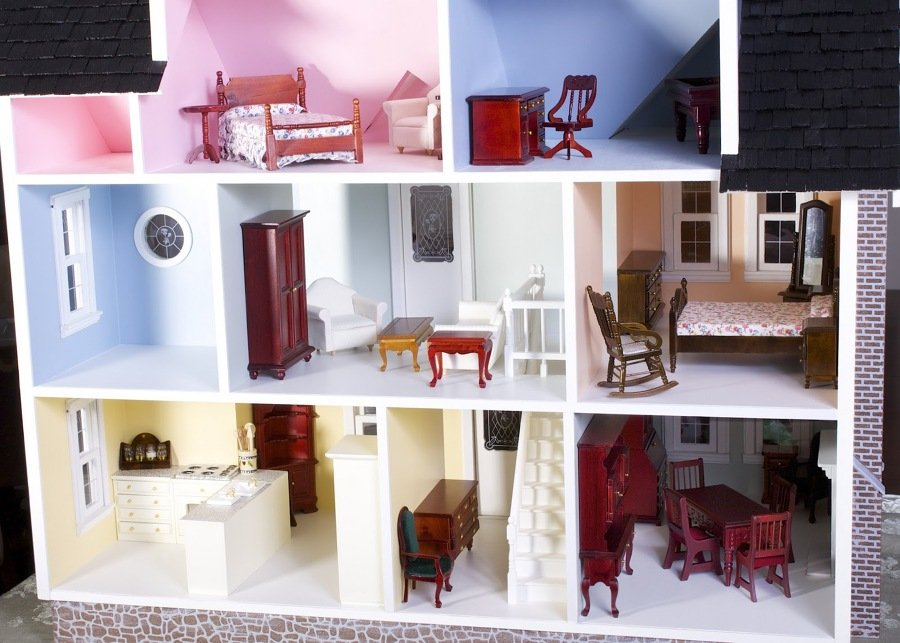 Come costruire una casa delle bambole idee interior designer for Registra i piani di casa con il costo da costruire
