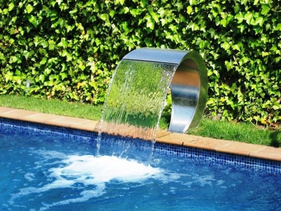 Foto cascate per benessere personale de valeria del - Cascate per piscine ...