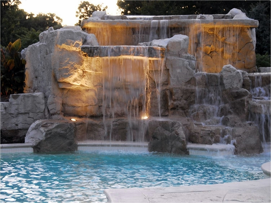 Cascate per piscine quando la bellezza va a braccetto con - Cascate per piscine ...