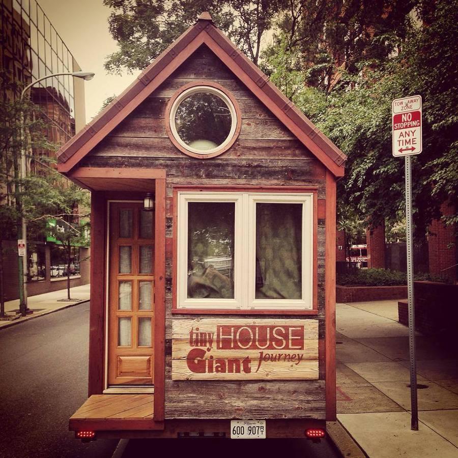 Tiny house storia di due giovani e della loro casa a for Planimetrie gratuite della casa del campione