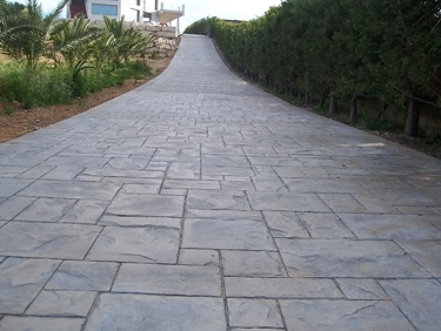 Foto cemento stampato ardesia di campaniastone srl for Materiales para pisos exteriores