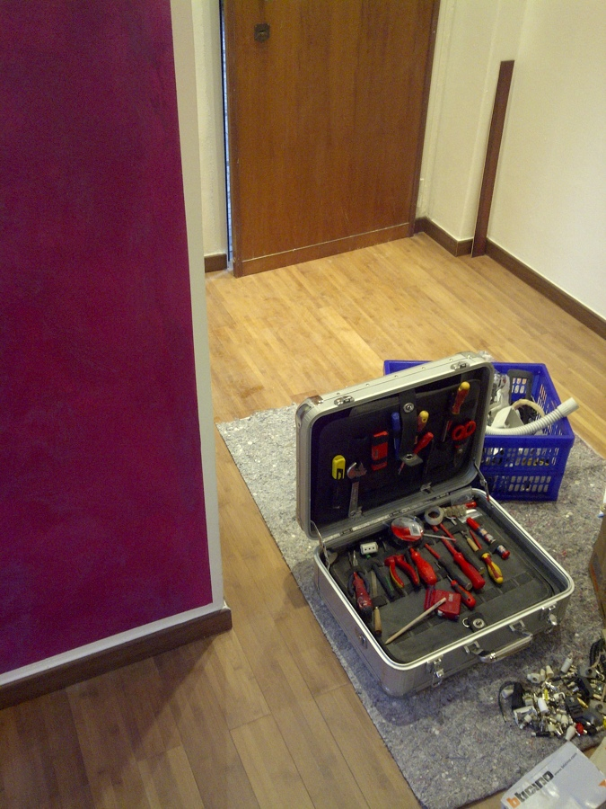 Restiling appartamento dottssa aisha idee for Certificazione impianti