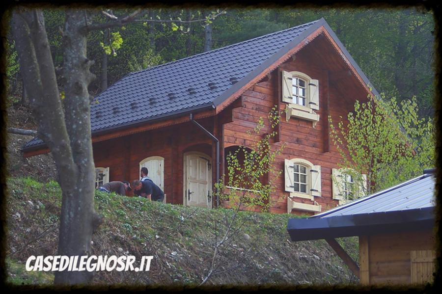 Casa di legno modello lori n19 da euro compreso for Modello di casa bungalow