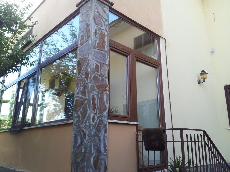 Emejing Chiusura Terrazza Images - Idee Arredamento Casa & Interior ...
