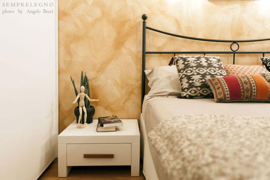 Comodino e complementi d'arredo su misura per camera da letto