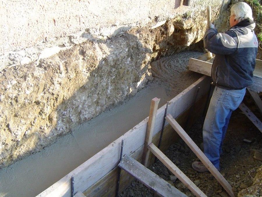 Consolidamento e restauro di una vecchia abitazione nella for Piccola casa su fondamenta