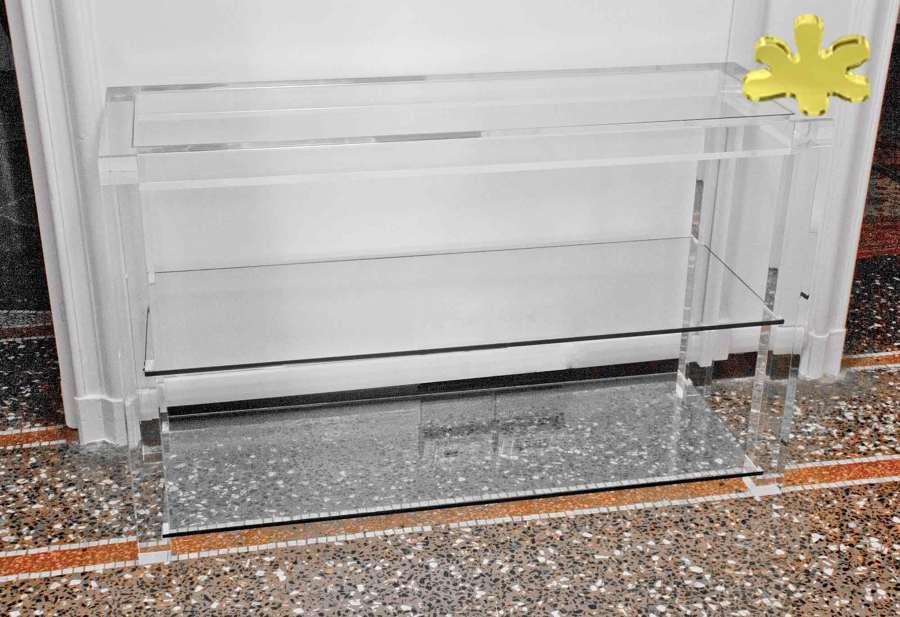 Consolle moderna in plexiglass con ripiano