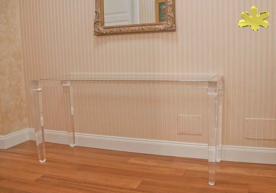 Consolle classiche e mobili ingresso in plexiglass idee for Consolle classiche