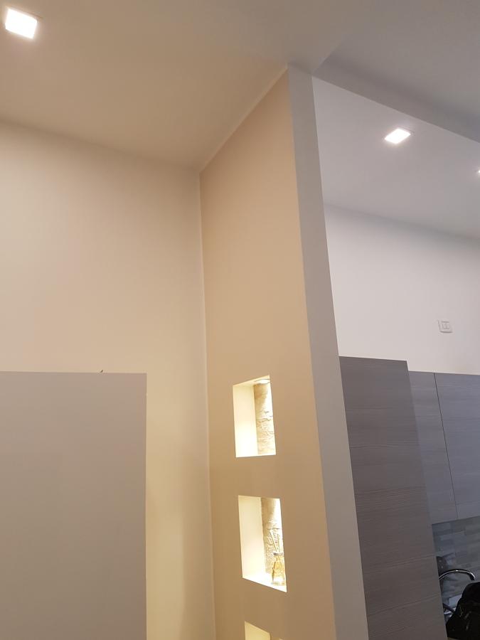 controsoffitti per i faretti e parete in cartongesso