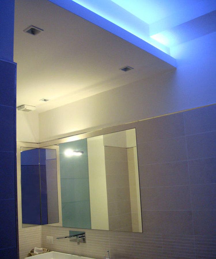 Casa r a milano lambrate idee architetti - Controsoffitto bagno ...