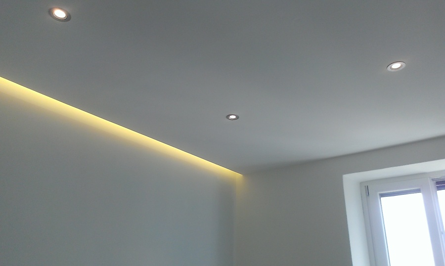 Foto controsoffitto camera da letto di prs progettare for Led controsoffitto