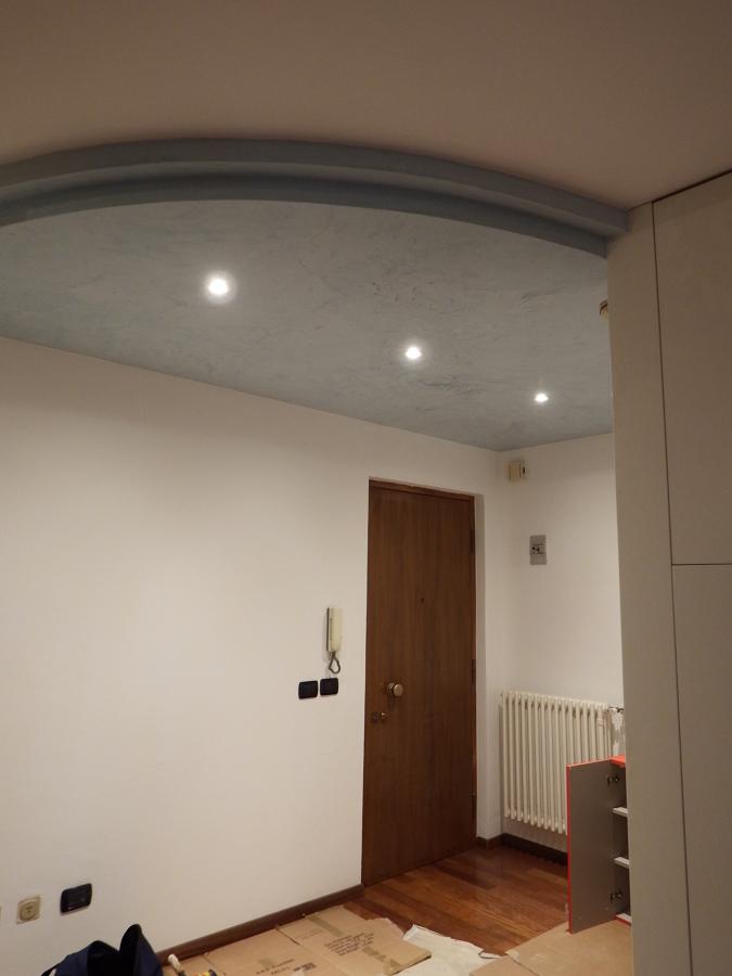 Foto: Controsoffitto Per Illuminazione Ingresso di Ready Casa ...