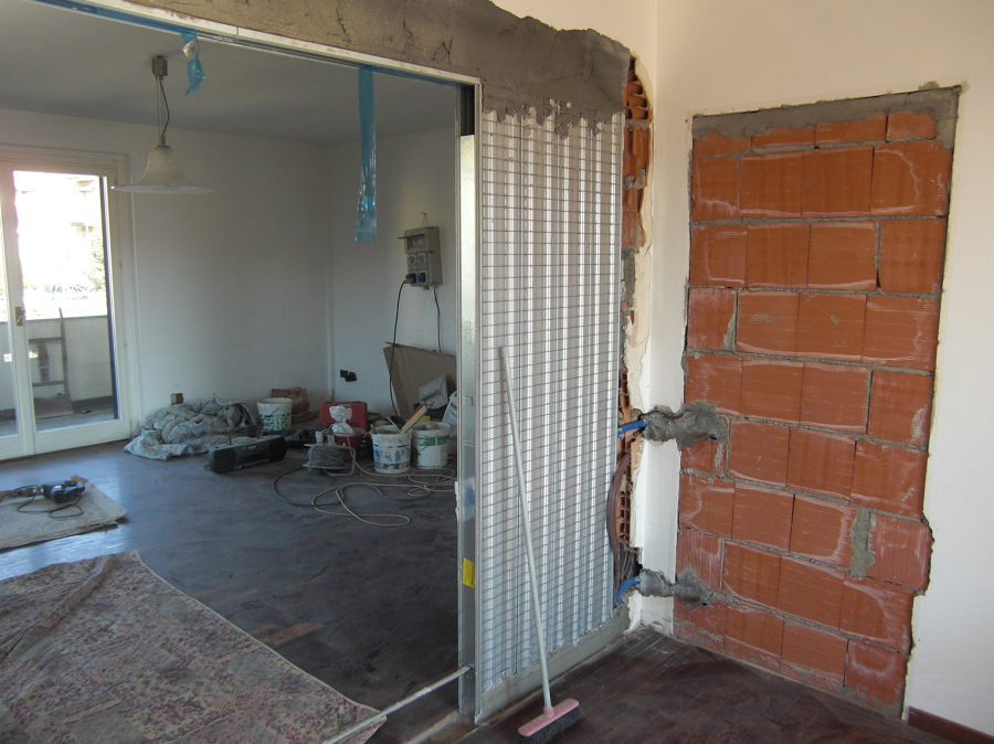 Progetto di ristrutturazione di appartamenti in villa - Telaio porta scorrevole ...