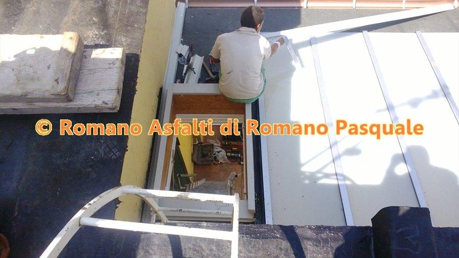 Foto: Copertura Balcone con Legno e Vetro di Romano Asfalti Di ...