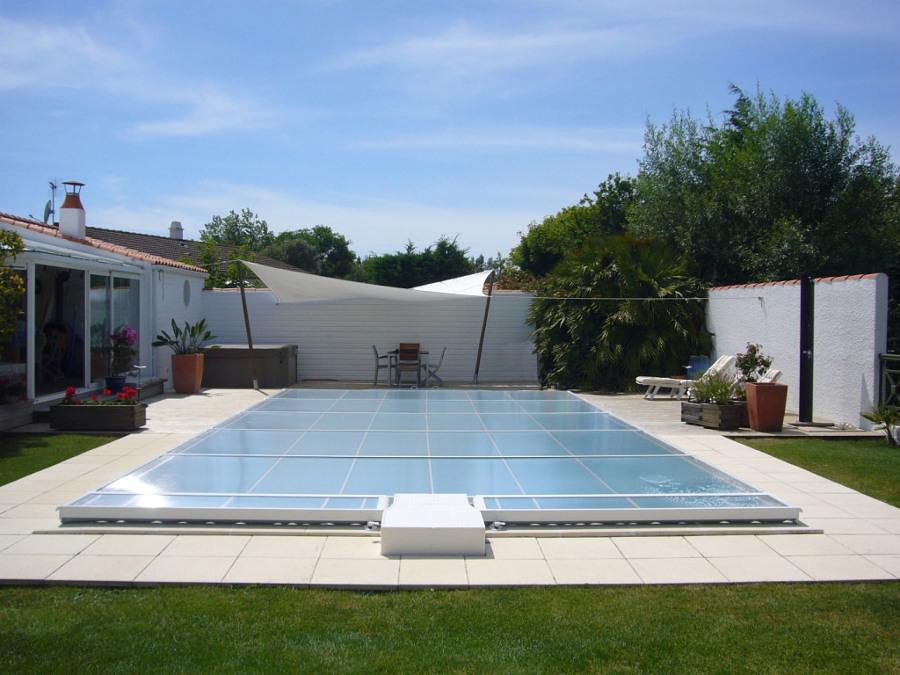 Coperture per la piscina preparala per l 39 autunno idee for Abrisud prezzi