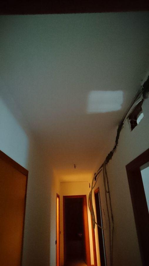 corridoio prima dell'installazione e controsoffitto