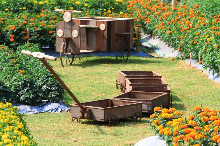 costruzioni in legno per decorare il giardino