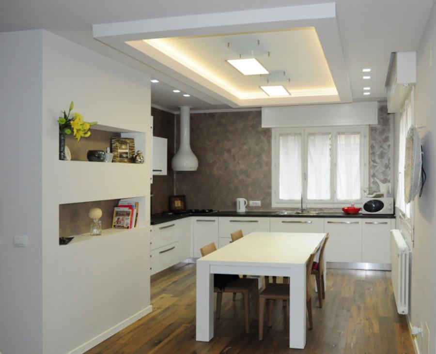 Foto cucina di pittore edile decoratore cartongessista 383360 habitissimo for Pittura pareti cucina