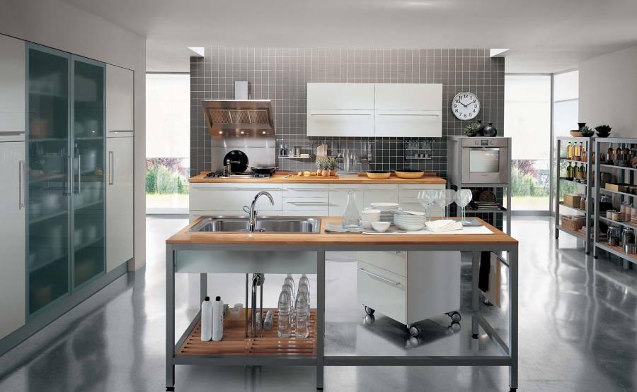Foto cucina acciaio e legno di marilisa dones 355892 habitissimo - Cucine in acciaio per casa ...