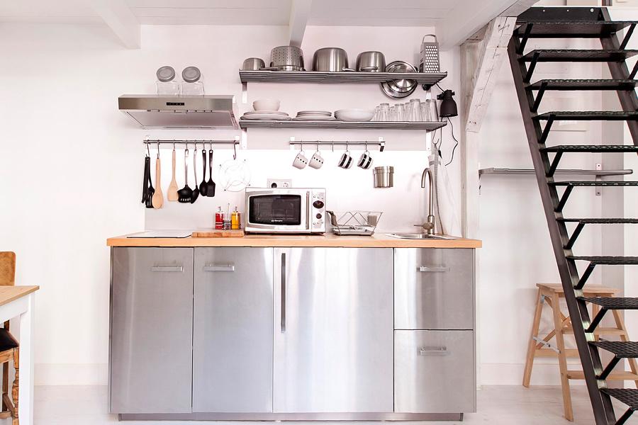 Foto: Cucina Acciaio e Legno di Rossella Cristofaro #549158 ...