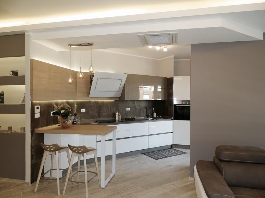 Foto cucina aperta sul living di nicarch 446804 for Foto di cucina e soggiorno a pianta aperta