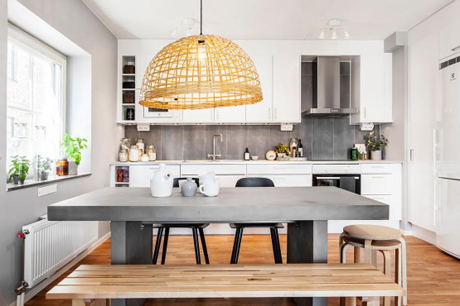 Foto: Cucina con Isola Colorata di Valeria Del Treste #311899 ...