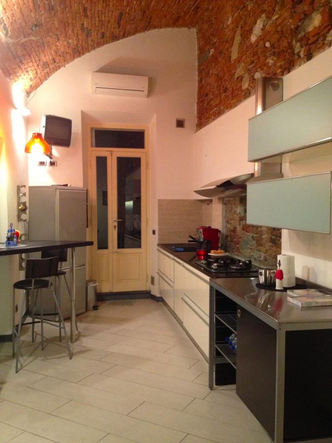 Foto: Cucina e Bancone Snack di Bertuccelli Manuele Architetto ...