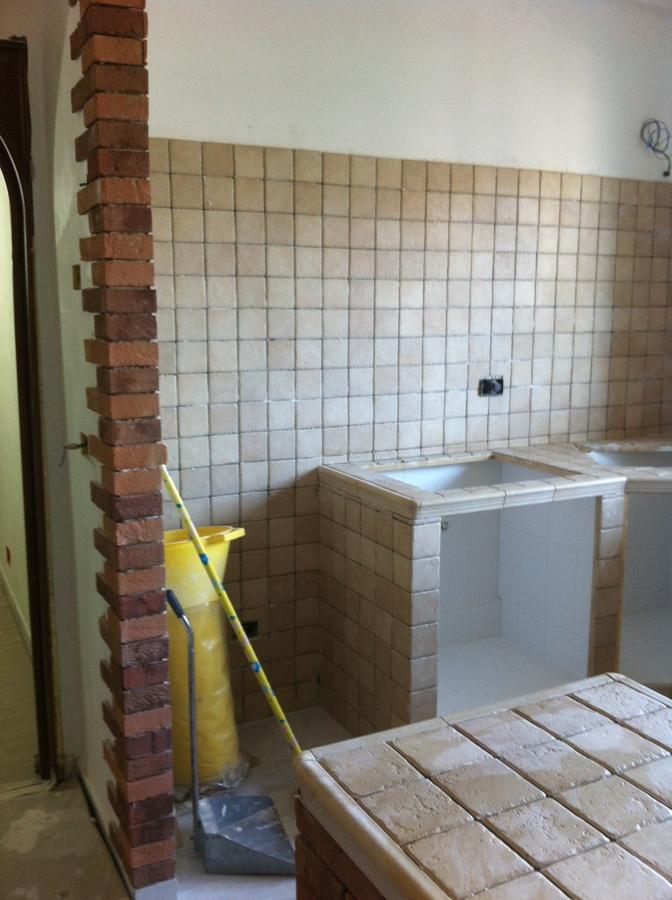 Ristrutturazioni interni ed esterni idee costruzione case - Progetti cucina in muratura ...