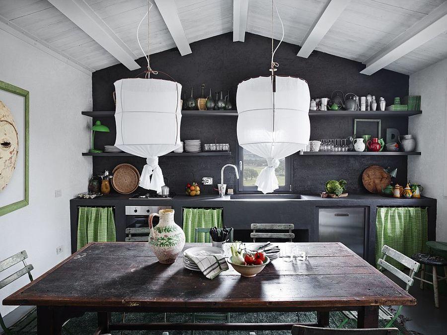 Cucina in muratura con mensole