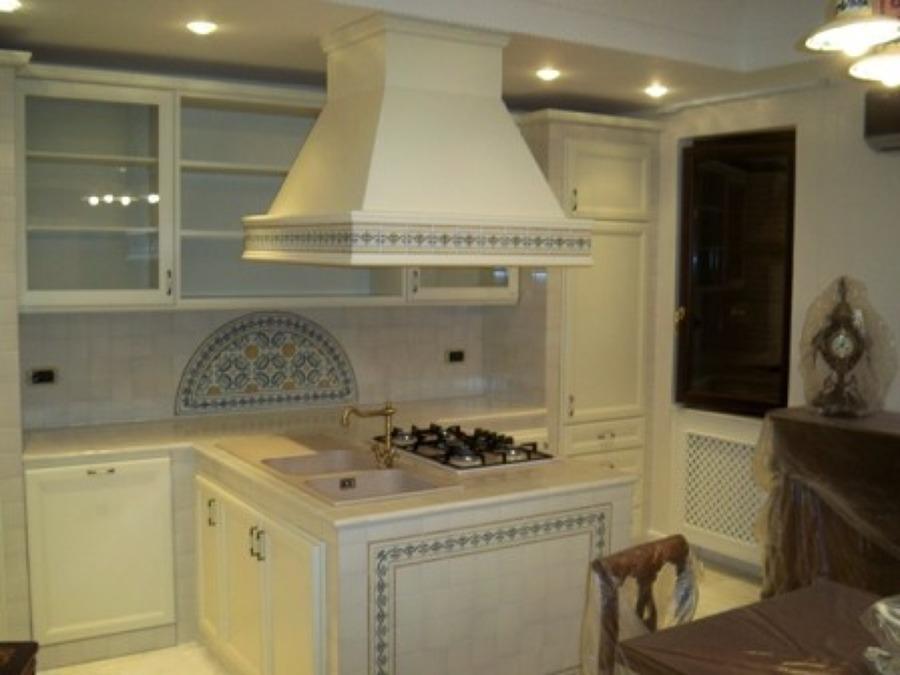 foto cucina in muratura con penisola di architetto de rosa, Disegni interni
