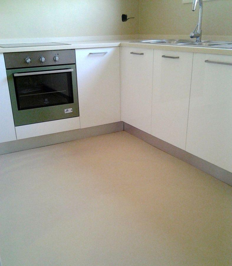 Cucina in pavimento in resina