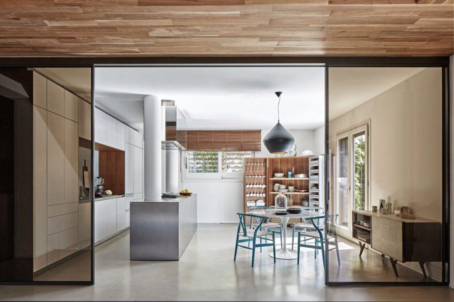 Foto cucina moderna con porte scorrevoli in vetro di for Porte scorrevoli in vetro napoli