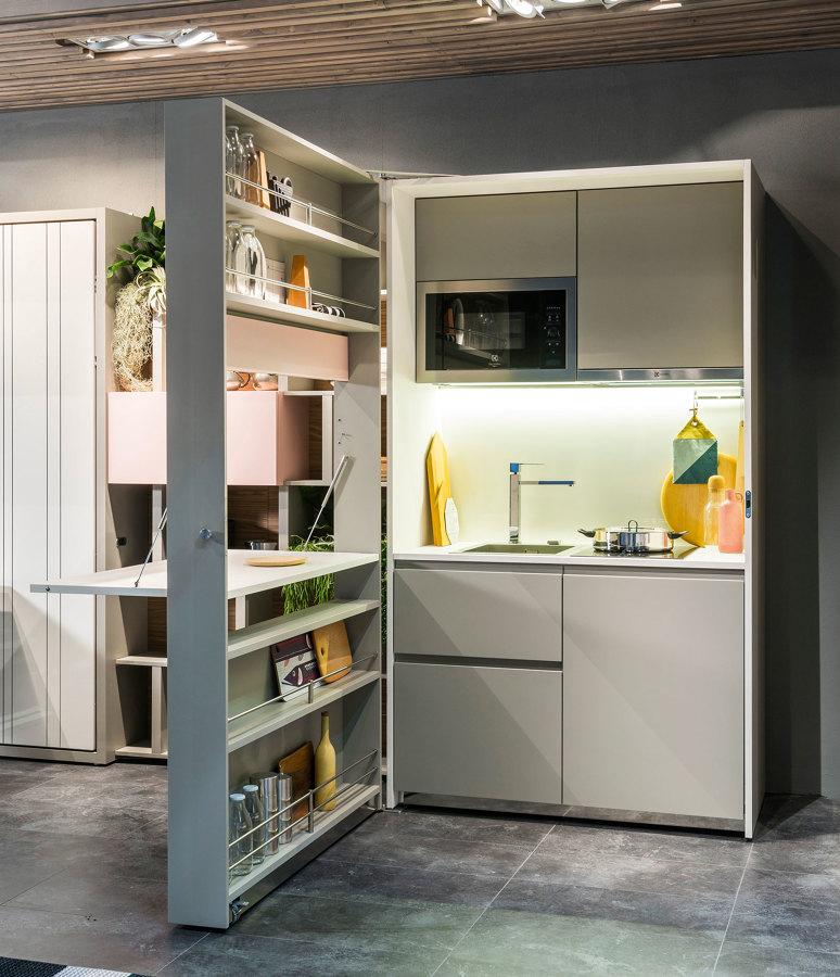 Spazi ridotti la cucina monoblocco ti viene in soccorso - Cucine armadio a scomparsa ...