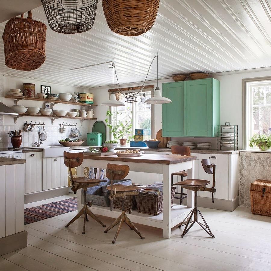 6 punti chiave per arredare la tua casa in stile for Mensole stile provenzale
