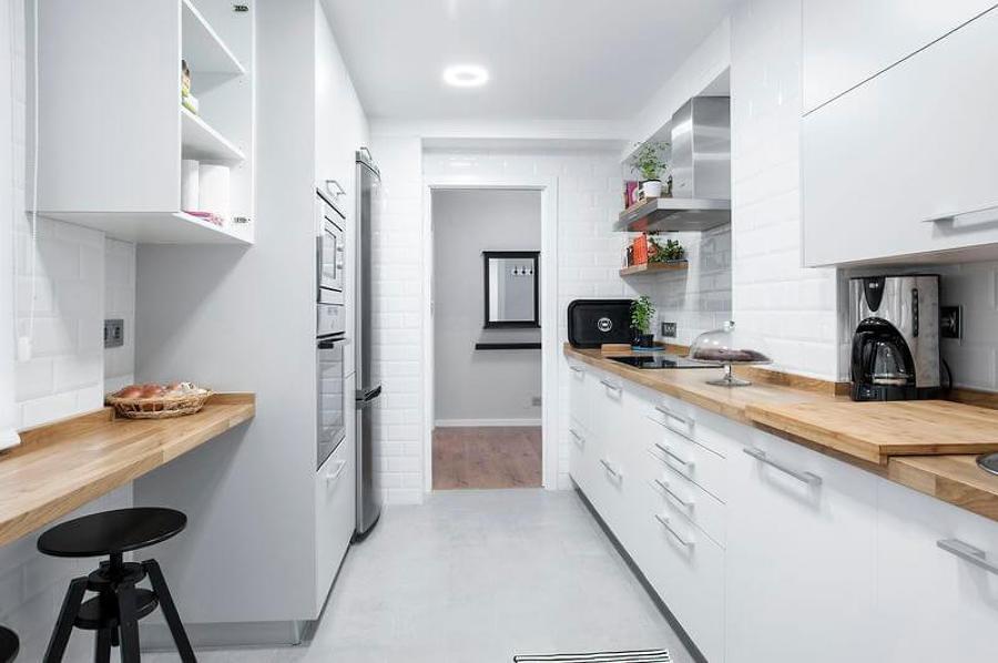 Cucina stretta e lunga
