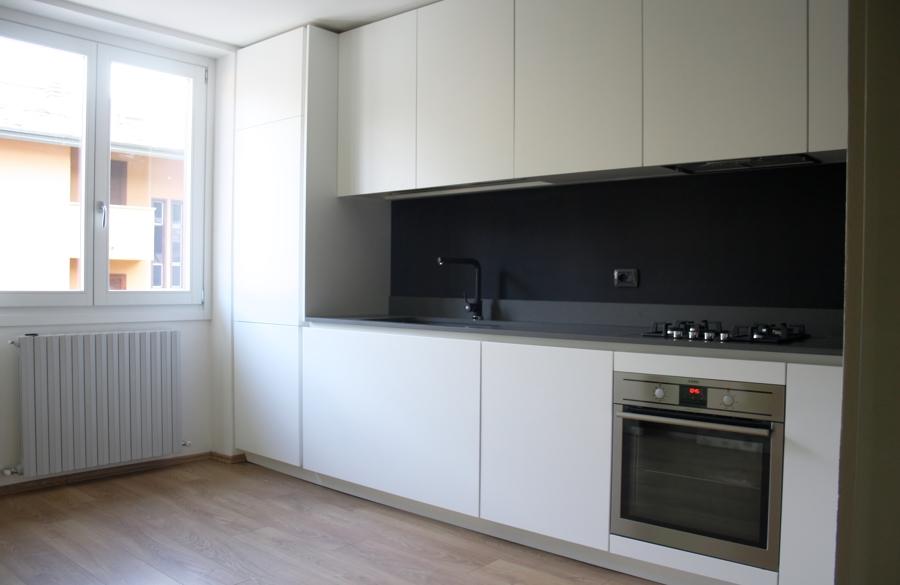 Foto cucina su misura con fondo effetto lavagna di tratto studio 475062 habitissimo - Lavagna per cucina ...