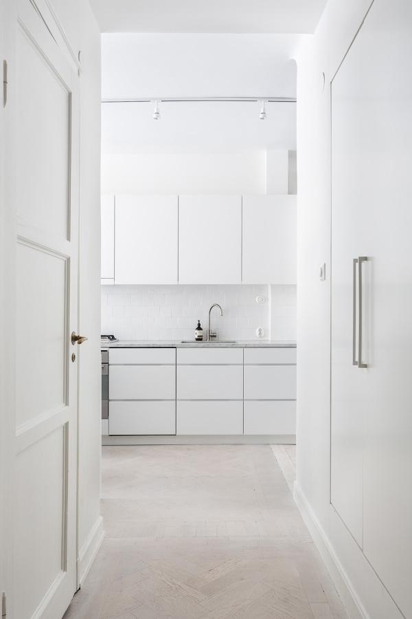 Foto: Cucina Total White di Manuela Occhetti #450017 - Habitissimo