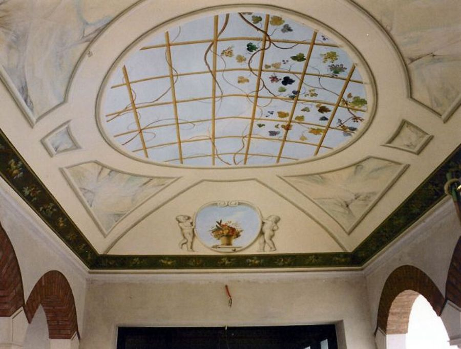 Soffitto A Volta Affrescato : Foto decorazione pittorica soffitto a volta in esterno di ruffini