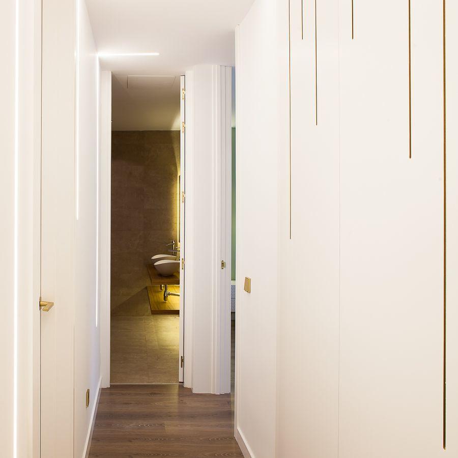 decorazione porte filomuro