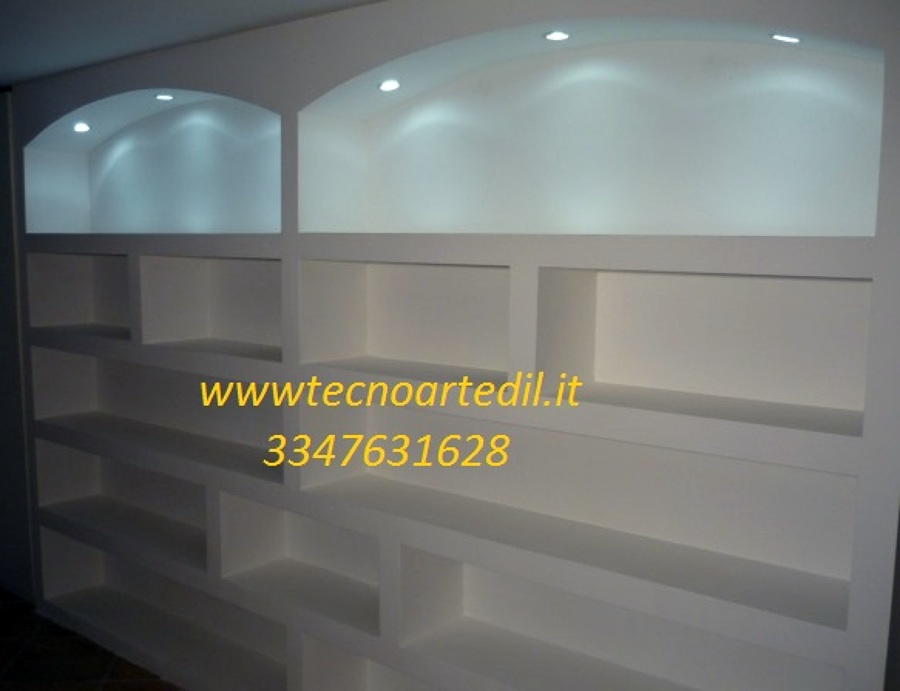 Progetto costruzione libreria con illuminazione idee interior designer - Decori in gesso ...