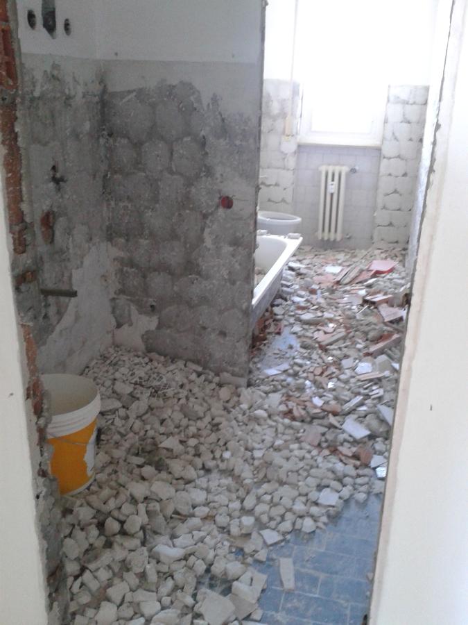 Foto: Demolizione Bagno di Cuberistrutturazioni #608748 - Habitissimo