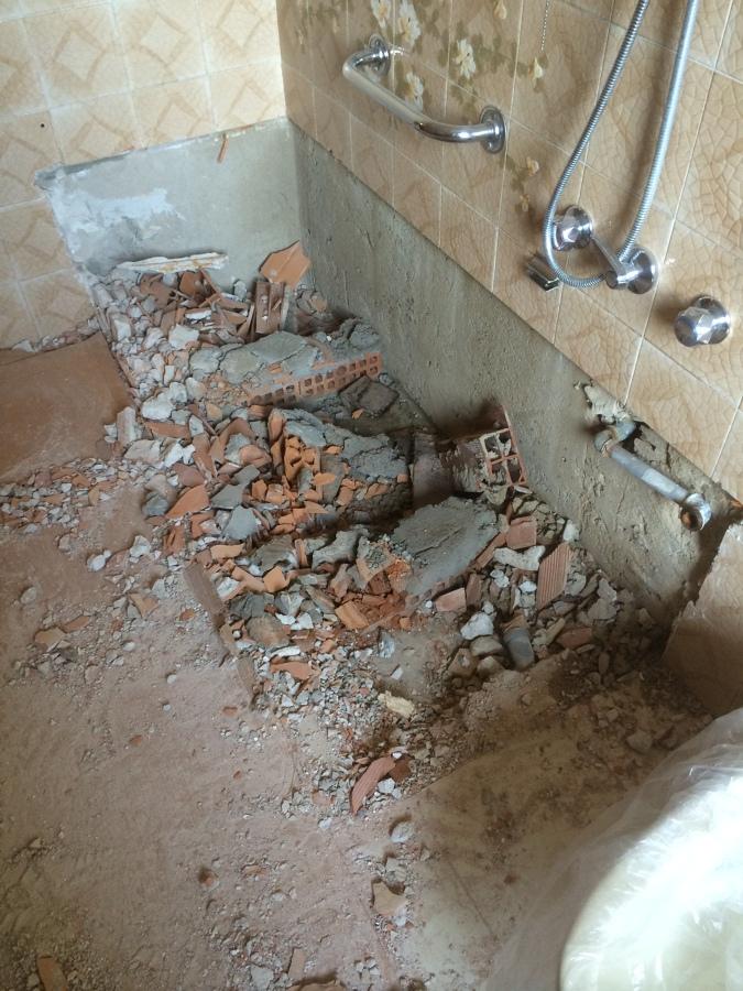 Foto: Demolizione della Vasca da Bagno di IDEALNOVA #216971 ...