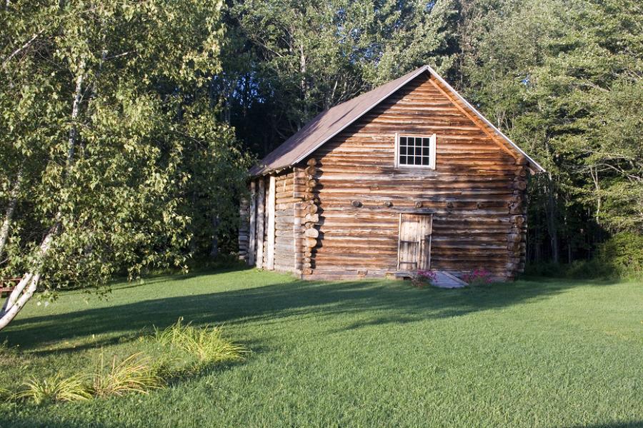 consigli per costruire una capanna di legno idee falegnami