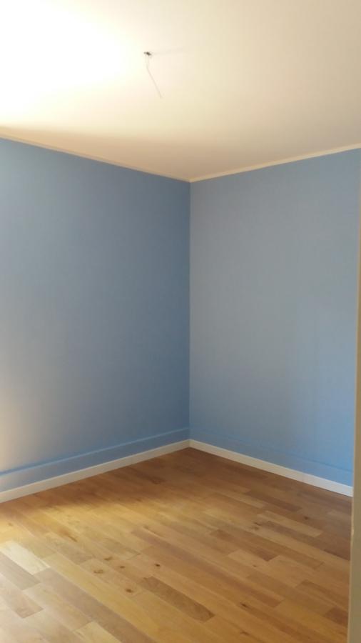 Dettaglio della camera matrimoniale  blu