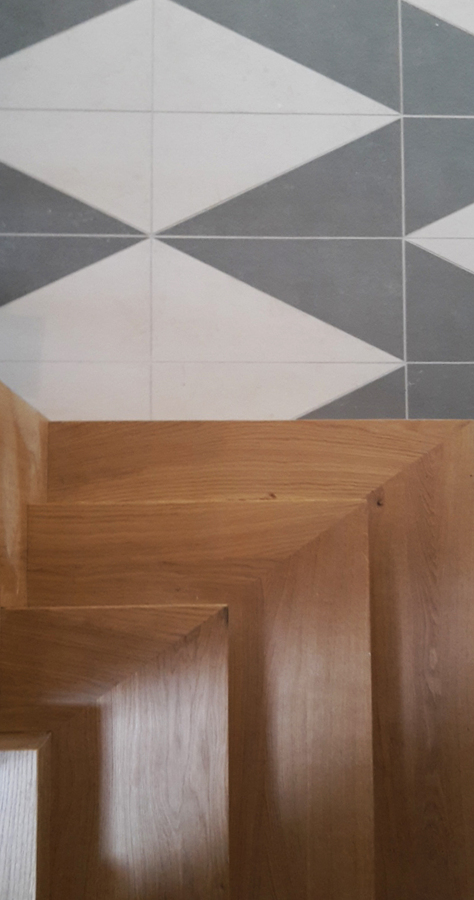 dettaglio pavimento-scala