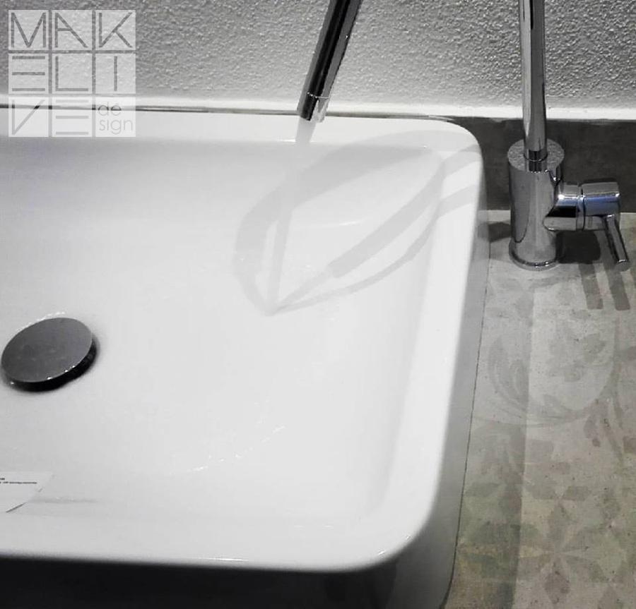 Dettaglio piano lavabo