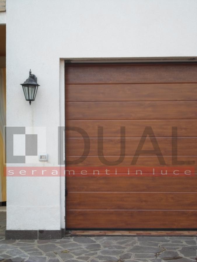 Dettaglio porta garage